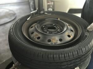 タイヤのハメ替え