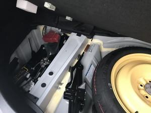 ハイブリッド車のバッテリーを交換