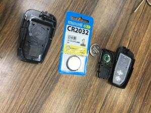 プリウス50系スマートキー電池交換